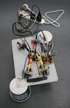 Complete self-contained robot